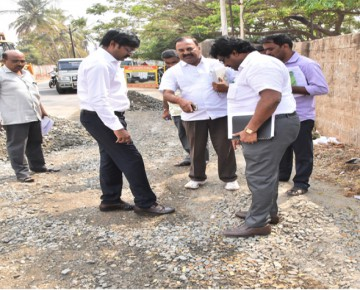 Commissioner inspections road patch work